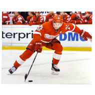 SECOND STORY Dylan Larkin 2017 8x10 Picture